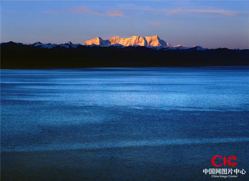 2004年8月,西藏,念青唐古拉山和納木錯